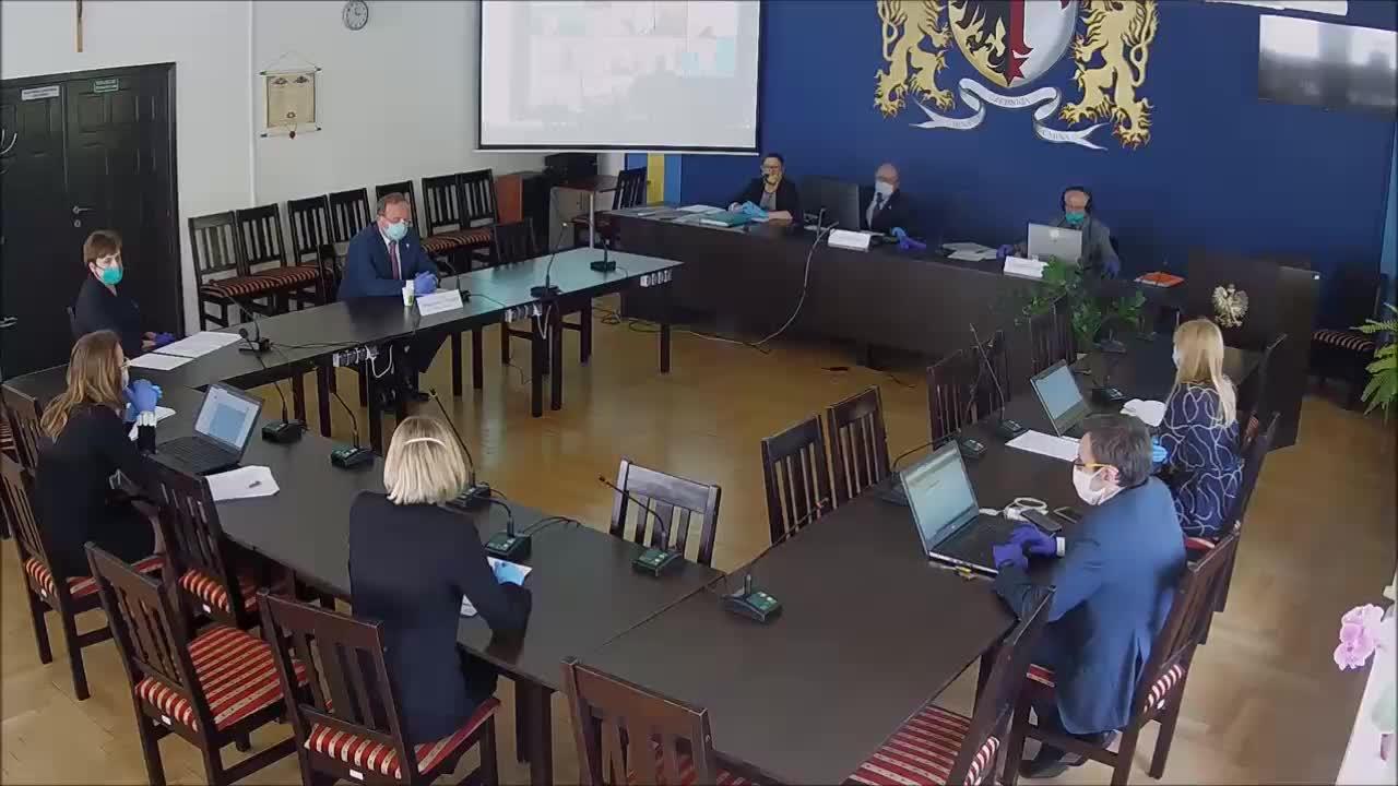 XV Sesja Rady Gminy Czernica z dnia 17.04.2020 r.  część 2/2